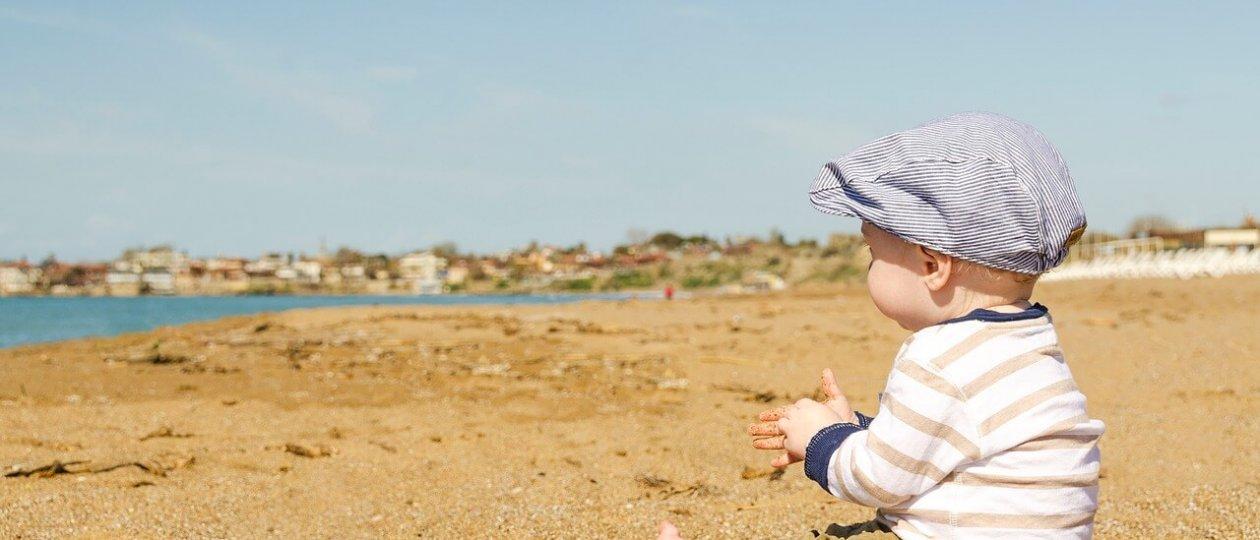 Beba na pijesku