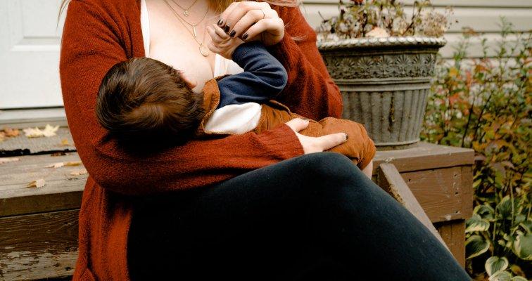 Bjelančevine u majčinom mlijeku